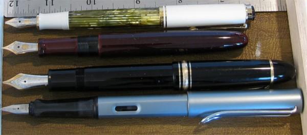сравнение размеров длинной сигары Nakaya и Pelikan M400, Montblanc 149 и Lamy AlStar